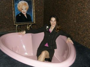mary-kay-bathtub